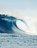 INDONESIA, Mentawai Islands, Kandui Resort, a breaking wave, Bankvaults