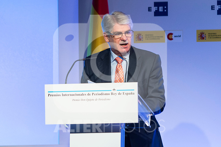 """Alfonso Dastis attends XXXIV International prizes of journalism """"Rey de Espana"""" and the XIII edition of the prize """"Don Quijote"""" of journalism in Madrid, Spain. March 27, 2017. (ALTERPHOTOS / Rodrigo Jimenez)"""