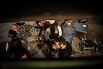 """Jendea Marabilli Festibala ospatzen Ondarrun (Euskal Herri), 2013ko Urriaren 12an. Marabilli sormen festibala"""" Aitzol Aramaio zenaren indarrarekin jaiotako egitasmo bat da eta helburua da hainbat artista Ondarroan biltzea, idazleak, musikariak, zinegileak, antzerkilariak, artista plastikoak, diseinatzaileak. (Ander Gillenea / Bostok Photo)"""