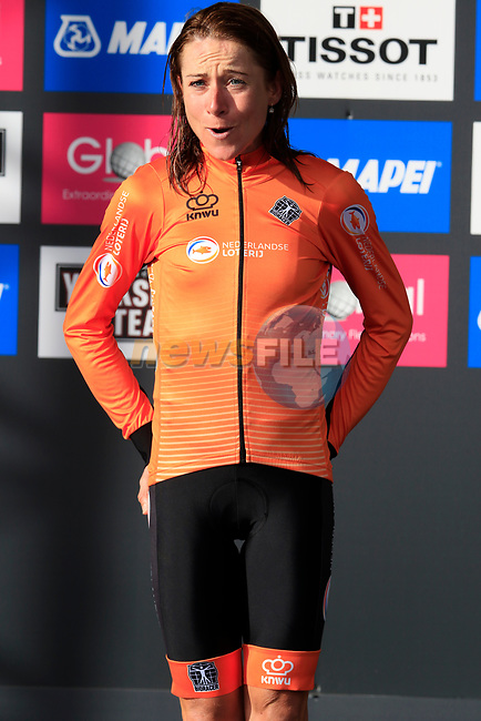Annemiek Van Vleuten (NED) wins the Women Elite Road Race of the UCI World Championships 2019 running 149.4km from Bradford to Harrogate, England. 28th September 2019.<br /> Picture: Eoin Clarke | Cyclefile<br /> <br /> All photos usage must carry mandatory copyright credit (© Cyclefile | Eoin Clarke)