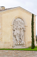 chateau petrus sculpture pomerol bordeaux france