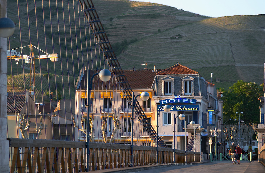 hotel les deux coteaux, Passerelle Marc seguin, the cable bridge across the Rhone river tain l hermitage rhone france