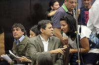SAO PAULO, SP, 20 DE AGOSTO DE 2012 - ELEICOES 2012 - Os candidatos a prefeitura da cidade, Fernando Haddad do PT, Carlos Gianazi e Soninha Francine do PPS participam do encontro do Movimento de Ruas e Catadores, nesta manha de segunda-feira (20), na Faculdade de Direito do Largo Sao Francisco, zona central da cidade. FOTO RICARDO LOU - BRAZIL PHOTO PRESS