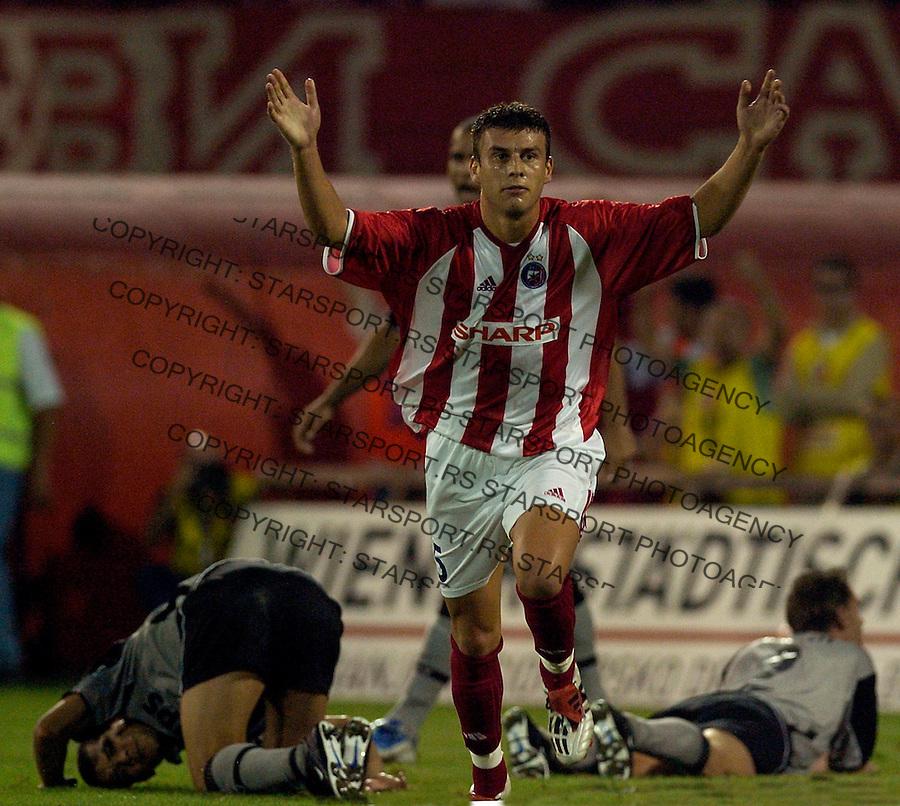 FUDBAL.KVALIFIKACIJE ZA LIGU SAMPIONA-3 RUNDA.CRVENA ZVEZDA-PSV AJDHOVEN (HOLANDIJA).MILAN DUDIC, celebrate his goal.BGD, 11.08.2004.FOTO: Srdjan Stevanovic/Starsportphoto.com ©