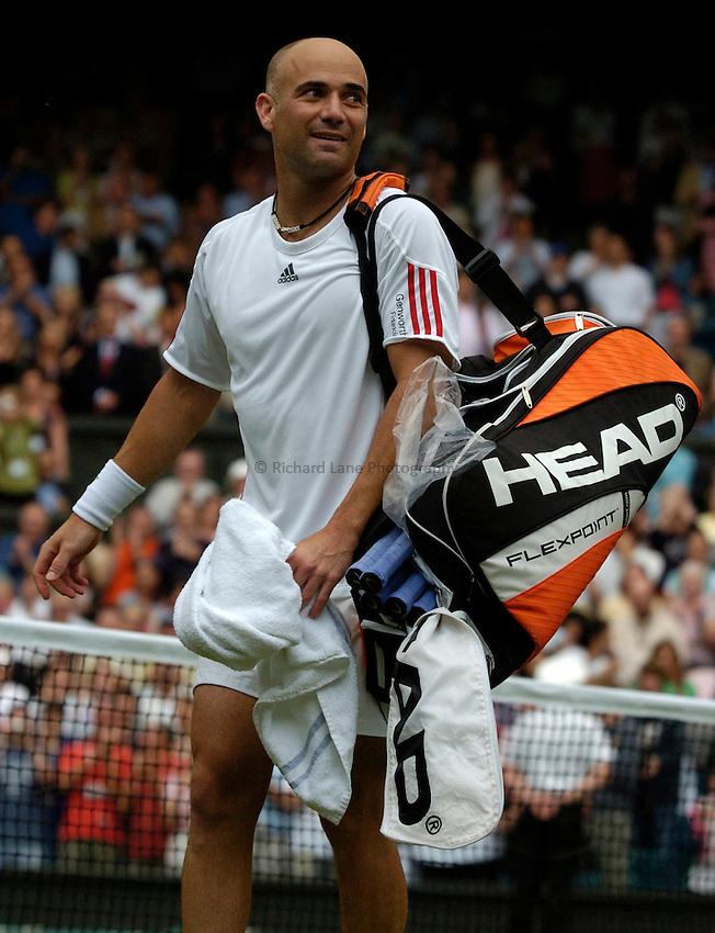 Photo: Richard Lane..Wimbledon Championships. 27/06/2006. .USA's Andre Agassi.