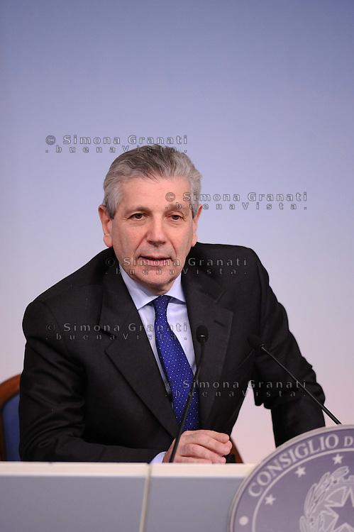 Roma, 14 Febbraio 2012.Palazzo Chigi.Comferenza stampa del ministro della  Difesa Giampaolo Di Paola