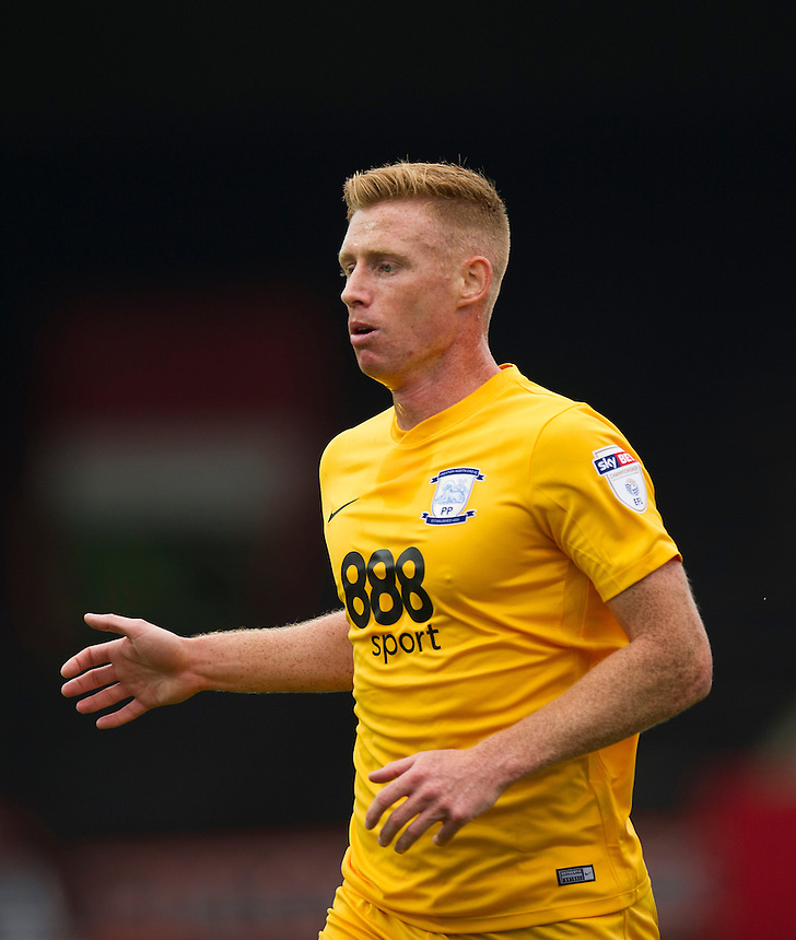Preston North End's Eoin Doyle in action during todays match  <br /> <br /> Photographer Ashley Western/CameraSport<br /> <br /> The EFL Sky Bet Championship - Brentford v Preston North End - Saturday 17 September 2016 - Griffin Park - London<br /> <br /> World Copyright &copy; 2016 CameraSport. All rights reserved. 43 Linden Ave. Countesthorpe. Leicester. England. LE8 5PG - Tel: +44 (0) 116 277 4147 - admin@camerasport.com - www.camerasport.com