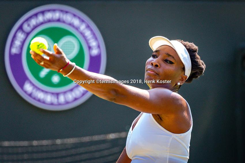 London, England, 6 th. July, 2018, Tennis,  Wimbledon, Womans singel third round,  Venus Williams (USA) in her match against Kiki Bertens (NED)<br /> Photo: Henk Koster/tennisimages.com