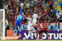 RIO DE JANEIRO, 11.05.2014 - Diego Cavalieri do Fluminense durante o jogo contra Flamengo pela quarta rodada do Campeonato Brasileiro disputado neste domingo no Maracanã. (Foto: Néstor J. Beremblum / Brazil Photo Press)