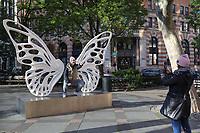 NOVA YORK, EUA, 08.11.2019 - ARTE-EUA - Escultura Dream Machine: Dandara do artista plastico brasileiro Rubem Robierb é vista no bairro de Tribeca na ilha de Manhattan em Nova York nos Estados Unidos nesta sexta-feira, 08. (Foto: William Volcov/Brazil Photo Press)