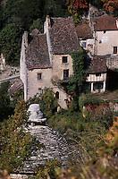 Europe/France/Midi-Pyrénées/46/Lot/Causse de Rocamadour/Rocamadour: Les maisons du bas du village