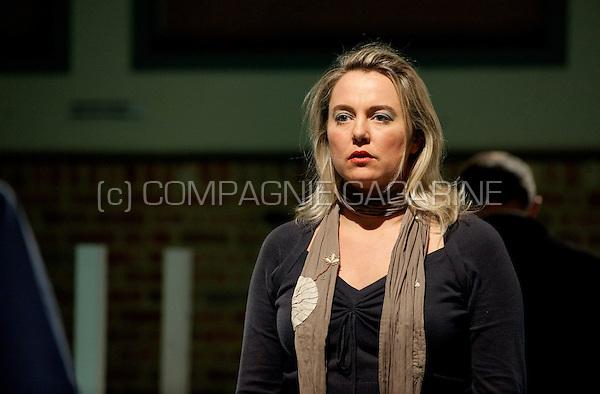 Theatre company Theatre company De Vliegende Ster playing Festen from Thomas Vinterberg, directed by Jos Adam (Belgium, 18/03/2010)
