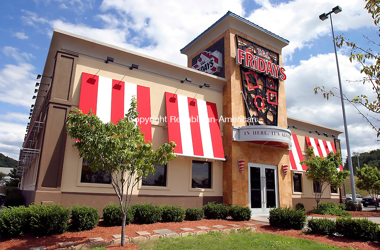 WATERBURY, CT. 23  August  2005--082305SV01--The TGIF restaurant at the Brass Mill Commons is the first TGIF location in Connecticut to undergo a series of &quot;revitalization&quot; changes, which include redesigned exteriors new interior decor packages, enhanced training for personnel and menu changes.<br /> Steven Valenti / Republican-American