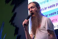 SAO PAULO, SP - 01.02.2017 - CAMPUS-PARTY - Aubrey de Grey CSO da SENS durante a Campus Party Brasil 2017, no Pavilh&atilde;o de Exposi&ccedil;&otilde;es do Anhembi no in&iacute;cio da tarde desta quarta-feira (01) na zona norte de S&atilde;o Paulo.<br /> <br /> (Foto: Fabricio Bomjardim / Brazil Photo Press)