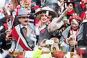 Düsseldorf, Germany. 27 February 2017. Thomas Geisel, Mayor of Düsseldorf, with spouse Vera Geisel. Carnival parade on Shrove Monday (Rosenmontag) in Düsseldorf, North Rhine-Westphalia, Germany.