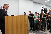 ATENCAO EDITOR: FOTO EMBARGADA PARA VEICULO INTERNACIONAL - SAO PAULO, SP, 14 DEZEMBRO 2012 - COLETIVA DE IMPRENSA DO MP SOBRE A PEC 37 -  Coletiva de imprensa em que o Procurador-Geral de justica de SP Marcio Fernando Elias Rosa apresentara aos jornalistas um abaixo assinado on-line contra a Proposta de Emenda a Constituicao conhecida como (PEC) 37, proposta conhecida como a PEC da impunidade que preve a Retirada do Poder de Investigacao criminosa de orgaos Como o Ministerio Publico e como comissoes parlamentares de Inquérito, na sede do ministerio publico de SP na região central da capital paulista nessa sexta, 14. (FOTO: LEVY RIBEIRO / BRAZIL PHOTO PRESS)