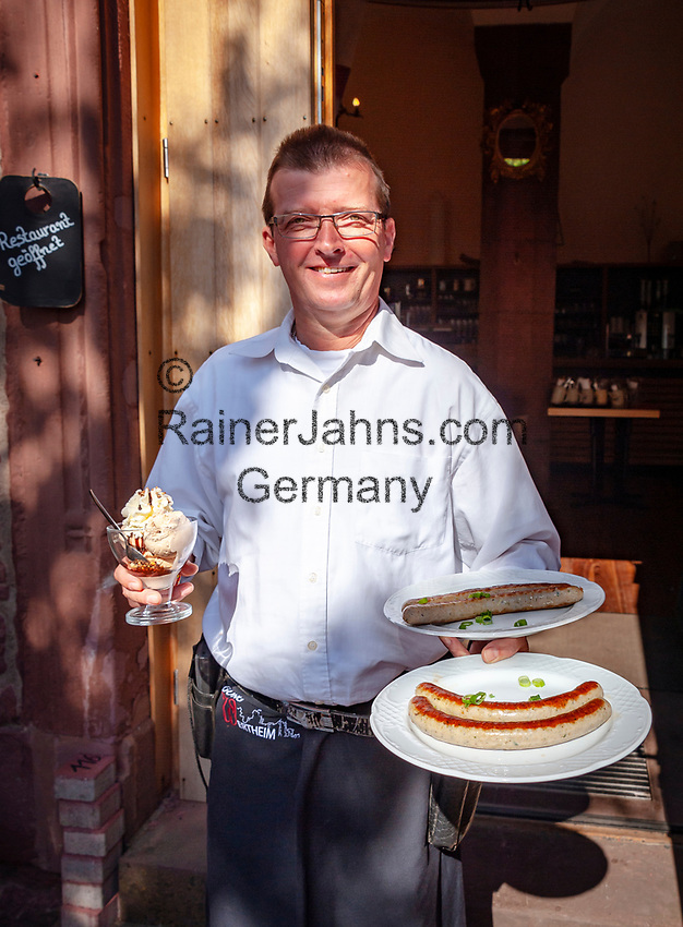 Deutschland, Baden-Wuerttemberg, Wertheim: Burg Wertheim, das Burg-Restaurant, Kellner | Germany, Baden-Wuerttemberg, Tauber Valley, Wertheim: Castle Wertheim above town, Castle Restaurant, waiter