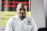 Robert Baryamwesiga, Leiter des BidiBidi-Flüchtlingscamps in Uganda in seinem Büro. Über eine Million Südsudanesen sind nach Uganda geflüchtet.