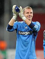 FUSSBALL   CHAMPIONS LEAGUE   SAISON 2011/2012  Bayer 04 Leverkusen - FC Valencia           19.10.2011 Schlussjubel: Torwart Bend LENO (Leverkusen)