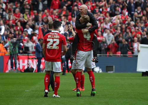 03.04.2016. Wembley Stadium,  London, England. Johnstones Paint Trophy Football Final Barnsley versus  Oxford Utd. Emotional scenes after the game by the Barnsley team after winning the Trophy