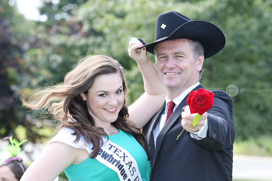 17/8/2010. 2010 Rose of Tralee visit RTE. Dáithí O Sé is pictured with the Texas Rose Adrienne Hussey at the RTÉ studios in Donnybrook Dublin. The Rose of Tralee International Festival, which runs from Friday 20th to Tuesday 24th of August, culminates in the live televised International Rose Selection on RTÉ One, hosted for the first time by Dáithí O Sé. The show will be broadcast from 8pm on Monday and Tuesday the 23rd and 24th of August, with a break for the Nine O' Clock News on both nights. The show will also be streamed live around the world at www.rte.ie. Picture James Horan/Collins Photos