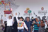 SÃO PAULO, SP, 24.01.2014 - FESTA BOLIVIANA DE ALASITA PRAÇA ULISSES GUIMARÃES - Movimentação durante a edição 2014 da Alasita, tradicional feira de artesanato boliviana, realizada na Praça Ulisses Guimarães, localizada na região do Parque Dom Pedro II, centro da cidade de São Paulo (SP), nesta sexta-feira (24). A data deve ser inserida no Calendário Oficial do Município, em reconhecimento à importância da comunidade boliviana residente na Cidade. Além do artesanato, compõem a Alasita comidas típicas bolivianas, como o prato paceño (original de La Paz) e a chicha. (Foto: Andre Hanni / Brazil Photo Press).
