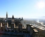 20080110 - France - Aquitaine - Pau<br /> VUES DEPUIS LE CHATEAU DE PAU SUR LA VILLE, LE GAVE ET LES PYRENEES.<br /> Ref : PAU_060.jpg - © Philippe Noisette.