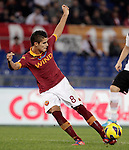 Calcio, Serie A: Roma vs Palermo. Roma, stadio Olimpico, 4 novembre 2012..AS Roma forward Erik Lamela, of Argentina, in action during the Italian Serie A football match between AS Roma and Palermo, at Rome's Olympic stadium, 4 november 2012..UPDATE IMAGES PRESS/Riccardo De Luca