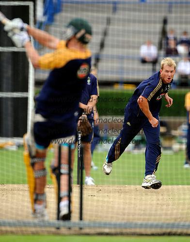 Scotland V Australia cricket preview and training at Grange CC, Edinburgh - Australia's Brett Lee bowls into a training net at Grange CC, in preparation for tomorrow's ODI against Scotland - Picture by Donald MacLeod 27.08.09