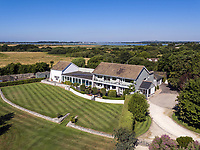 Former country club turned into a swanky seven-bedroom mansion is on the market for £4.5m.