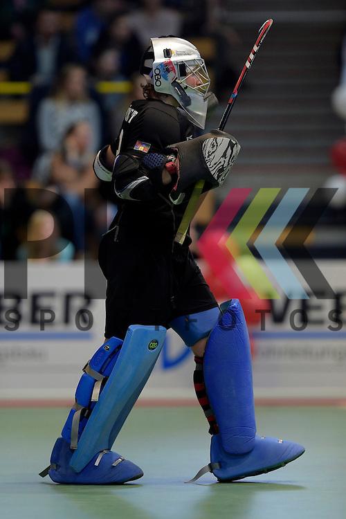 GER - Luebeck, Germany, February 06: During the 1. Bundesliga Damen indoor hockey semi final match at the Final 4 between Berliner HC (blue) and Duesseldorfer HC (red) on February 6, 2016 at Hansehalle Luebeck in Luebeck, Germany. Final score 1-3 (HT 0-1). Amelie Klaumuenzer (TW) #13 of Berliner HC<br /> <br /> Foto &copy; PIX-Sportfotos *** Foto ist honorarpflichtig! *** Auf Anfrage in hoeherer Qualitaet/Aufloesung. Belegexemplar erbeten. Veroeffentlichung ausschliesslich fuer journalistisch-publizistische Zwecke. For editorial use only.