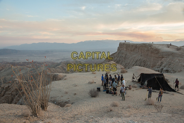 Last Days in the Desert (2015)<br /> Cast and crew on set during the production<br /> *Filmstill - Editorial Use Only*<br /> CAP/KFS<br /> Image supplied by Capital Pictures