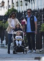 2017 06 10 Princesa Madelaine con marido e hijas en 35 cumpleaños_EXCLUSIVA