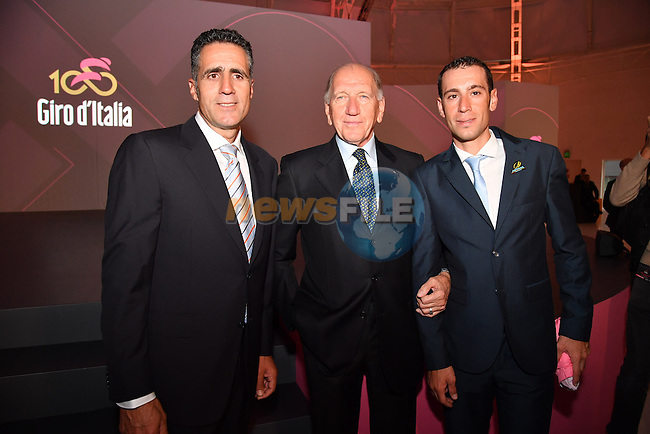 Mario Cipollini, Vittorio Adorni and defending Champion Vincenzo Nibali at the 100th edition Giro d`Italia 2017 route presentation held at the Ice Palace in Milan, 25th October 2016.<br /> Picture: ANSA/Claudio Peri | Newsfile<br /> <br /> <br /> All photos usage must carry mandatory copyright credit (&copy; Newsfile | ANSA/Claudio Peri)