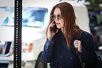 NEW YORK,NY, 02.06.2017 - JULIANNE-MOORE - A Atriz Julianne Moore é vista caminhando em Manhattan em New York nesta sexta-feira,02.( Foto: Vanessa Carvalho/Brazil Photo Press)