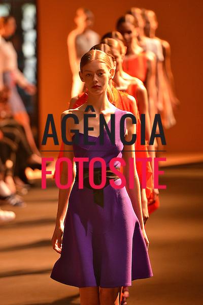 Paris, Fran&ccedil;a 09/2014 - Desfile de Roland Mouret  durante a Semana de moda de Paris  -  Verao 2015. <br /> <br /> Foto: FOTOSITE