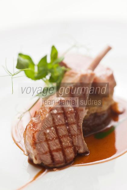 Europe/France/Aquitaine/33/Gironde/Médoc/Pauillac: Côte d'agneau de lait de Pauillac - recette de Jean-Luc Rocha -  Château Cordeillan-Bages