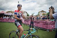 Johnny Hoogerland (NLD/AndroniGiocattoli-Venezuela) and baby at the start<br /> <br /> 2014 Giro d'Italia <br /> stage 17: Sarnonico - Vittori Veneto (208km)