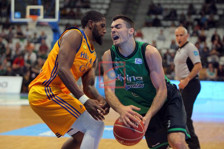 League ACB-ENDESA 2016/2017. Game: 28.<br /> Divina Seguros Joventut vs Herbalife Gran Canaria: 86-72.<br /> Royce O'Neale vs Alberto Abalde.