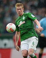 FUSSBALL   1. BUNDESLIGA   SAISON 2012/2013    33. SPIELTAG SV Werder Bremen - Eintracht Frankfurt                   11.05.2013 Kevin De Bruyne (SV Werder Bremen) Einzelaktion am Ball