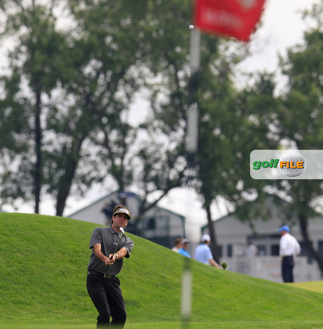 Bubba Watson (USA) plays into the 4th green during Thursday's Round 1 of the 2016 U.S. Open Championship held at Oakmont Country Club, Oakmont, Pittsburgh, Pennsylvania, United States of America. 16th June 2016.<br /> Picture: Eoin Clarke | Golffile<br /> <br /> <br /> All photos usage must carry mandatory copyright credit (&copy; Golffile | Eoin Clarke)