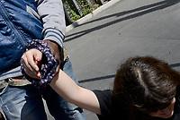 Roma, 5 Maggio 2017<br /> Ragazza ferita con dito reciso durante  il fronteggiamento con la polizia che impediva ai manifestanti di entrare negli uffici.<br /> Movimenti per il diritto all'abitare assediano l'assessorato alle politiche sociali, contro I nuovi decreti governativi sulla sicurezza urbana e sui migranti .