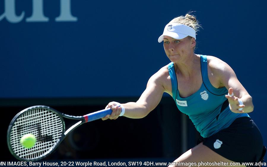 VERA ZVONEREVA (RUS) (2) against KATERYNA BONDARENKO (UKR) in the 2nd Round of the Women's Singles. Vera Zvonereva beat Kateryna Bondarenko 7-5 3-6 6-3..Tennis - Grand Slam - US Open - Flushing Meadows - New York - Day 03 - Tue August 31st  2011..© AMN Images, Barry House, 20-22 Worple Road, London, SW19 4DH, UK..+44 208 947 0100.www.amnimages.photoshelter.com.www.advantagemedianetwork.com.