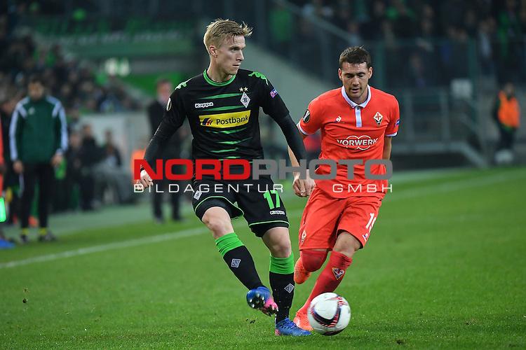 16.02.2017, Borussia Park , Moenchengladbach , EL, Sechzehntelfinale, Hinspiel GER, Borussia M&ouml;nchengladbach (GER) vs. AC Florenz ( ITA)<br /> im Bild:<br /> li Oscar Wendt (Gladbach #17), gegen Sebasti&aacute;n Crist&oacute;foro (AC Florenz #19) re<br /> <br /> <br /> <br /> Foto &copy; nordphoto / Meuter