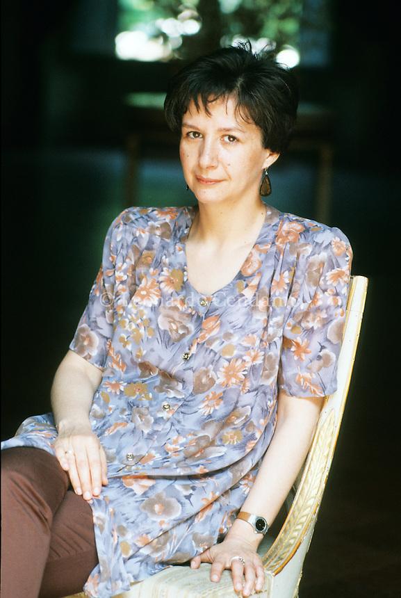 """Marina Corona è nata a Milano nel 1949. Ha vinto nel 1991 il Premio Internazionale Eugenio Montale per la sezione """"Inediti"""". Ha pubblicato il volume """"Le case della parola"""" e il libro """"L'ora chiara"""" Parma, 1991. © Leonardo Cendamo / rosebud2"""