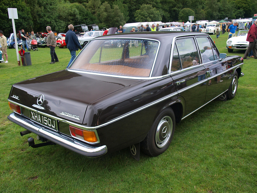 Mercedes Benz 220 Saloon Cars - 1970