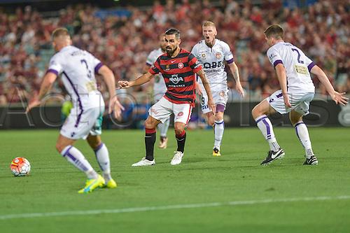 26.02.2016. Pirtek Stadium, Parramatta, Australia. Hyundai A-League. Western Sydney Wanderers versus Perth Glory. Wanderers midfielder Dimas in action.
