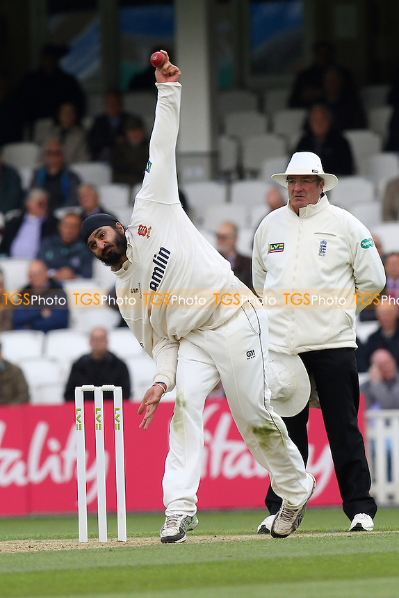 Monty Panesar in bowling action for Essex - Surrey CCC vs Essex CCC - LV County Championship Division Two Cricket at the Kia Oval, Kennington, London - 27/04/15 - MANDATORY CREDIT: Gavin Ellis/TGSPHOTO - Self billing applies where appropriate - contact@tgsphoto.co.uk - NO UNPAID USE