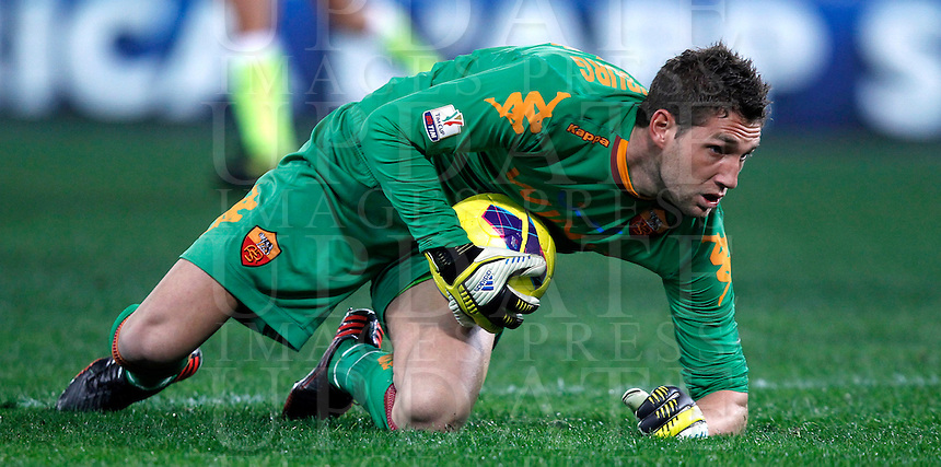 Calcio, semifinale di andata di Coppa Italia: Roma vs Inter. Roma, stadio Olimpico, 23 gennaio 2013..AS Roma goalkeeper Maarten Stekelenburg, of the Netherlands, grab the ball during the Italy Cup football semifinal first half match between AS Roma and FC Inter at Rome's Olympic stadium, 23 January 2013..UPDATE IMAGES PRESS/Isabella Bonotto