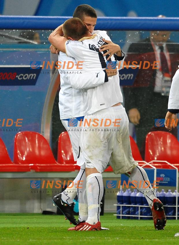 Daniele De Rossi Italia celebrates scoring with Alessandro Gamberini<br /> Esultanza dopo il gol<br /> Zurich/Zurigo 17/6/2008 Stadium &quot;Letzigrund&quot; <br /> France Italy - Francia Italia 0-2<br /> Euro2008 Calcio Group C<br /> Foto Andrea Staccioli Insidefoto
